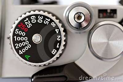 dslr-camera-shutter-speed-dial